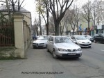 masini parcate pe trotuar